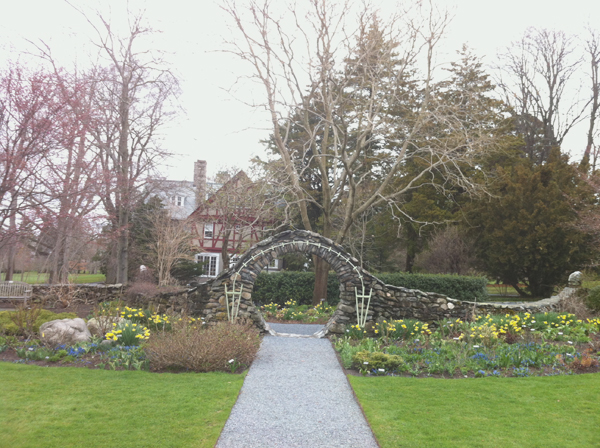 Spring in Blithewold Gardens